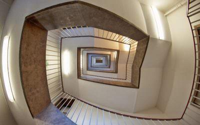 קשישים ואנשים המתקשים לעלות ולרדת מדרגות – האם קיים פתרון עבורם?
