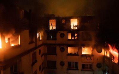 שריפה בבניין רב קומות